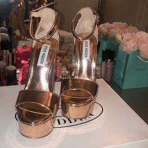 Steve Madden Gonzo Rose Gold heels 5.5